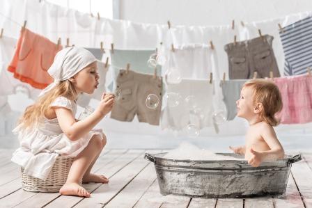 Стираем детскую одежду правильно.