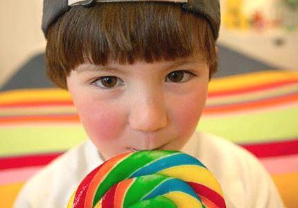 Почему дети любят сладкое