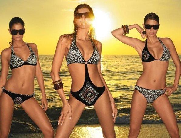 Модные идеи купальников лета 2011