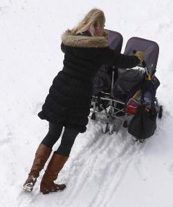 Плохой выбор коляски на зиму.