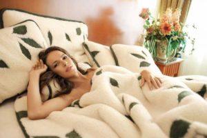 Как надо выбирать одеяло? На лето или зиму.