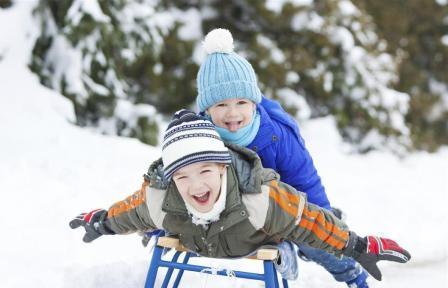 Зима в России. Как развлекаются дети?