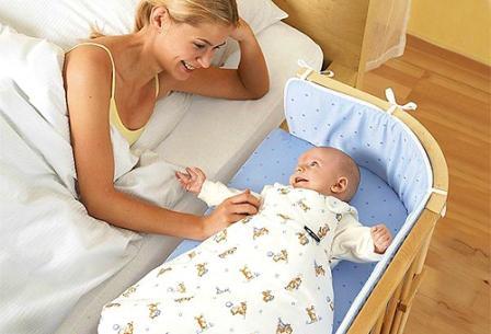 Где должен спать новорожденный.
