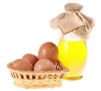 Маска из оливкового масла с яйцом