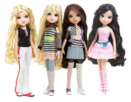 Современные девочки и куклы