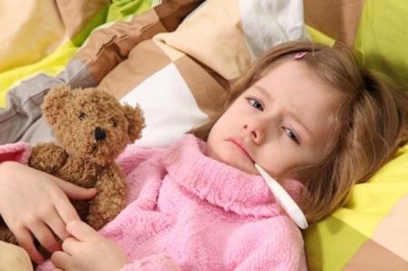 На фото ребенок во время болезни.