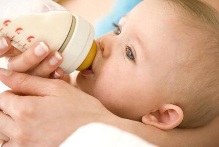 Искуственное кормление новорожденного