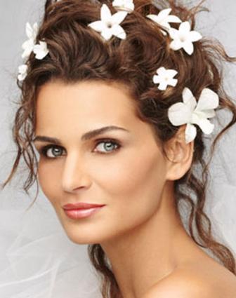 Прическа невесты для средних волос