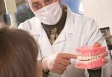 Имплантация и протезирование зубов детям