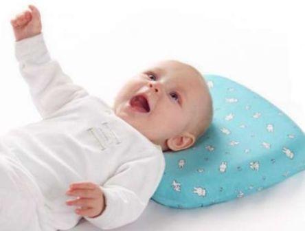 Нужна ли маленькому ребенку подушка