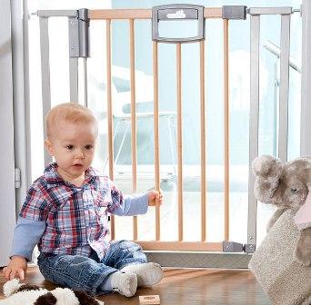 Как обезопасить комнату ребенка