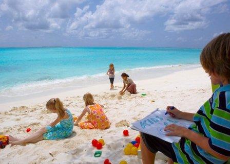 Куда поехать с детьми летом
