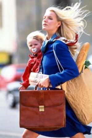 Молодая мама в современном обществе