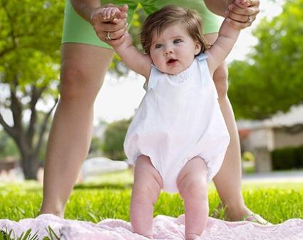 Как проходит развитие грудного ребенка