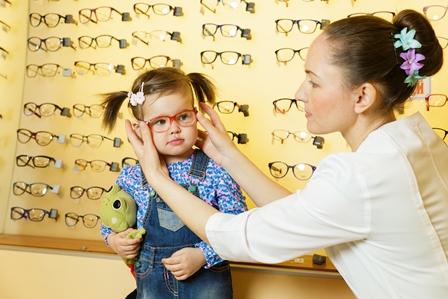 Очки можно надевать даже совсем маленьким детям