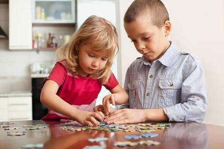 Разбираемся - почему детям нравятся паззлы и в чем их польза