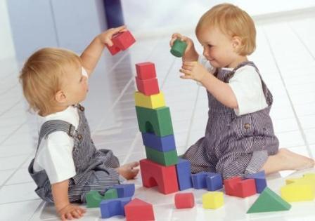 Развитие ребенка в первые два года жизни