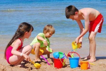 Интересные занятия для детей на пляже