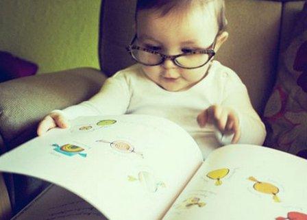 С какого возраста учить ребенка читать