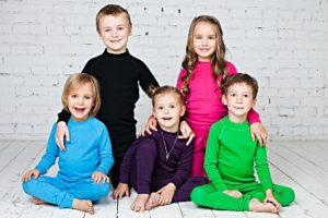Разноцветное термобелье для ребят школьного и дошкольного возраста