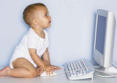 Работа ребенка за компьютером