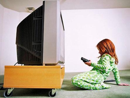 Сколько времени разрешать ребенку смотреть телевизор?