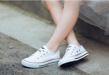 Спортивная обувь для подростков