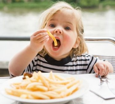 Какие продукты нельзя есть детям до 2 лет?