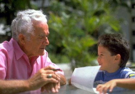 Роль дедушек в воспитании мальчиков