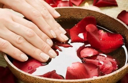 Уход за ногтями на женских руках