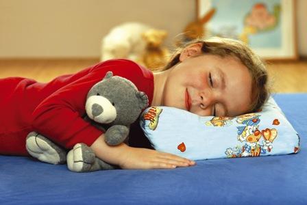 Когда ребенку можно подушку?