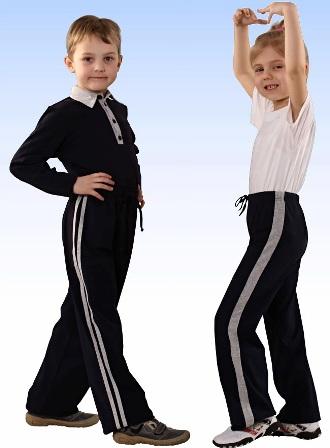 Какая спортивная одежда нужна ребенку в школе?
