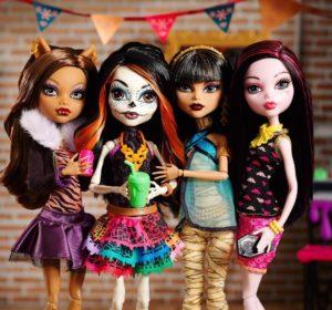 Несколько кукол Monster High