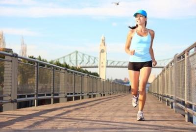 Спортивный бег утром