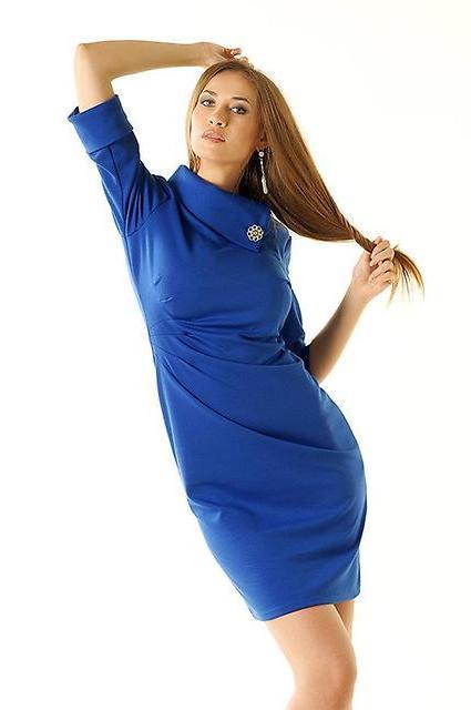 Необычное синее платье
