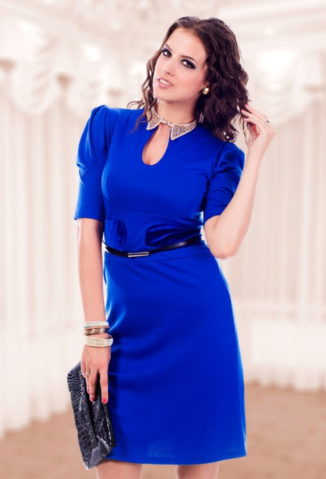 Синее платье для женщины на все случаи жизни