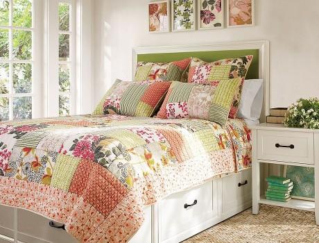 Пэчворк. Одеяло и подушки.