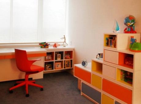 Подоконник вместо письменного стола