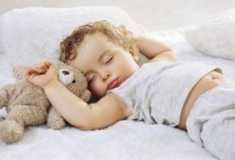 Правильно выбираем постель для малыша