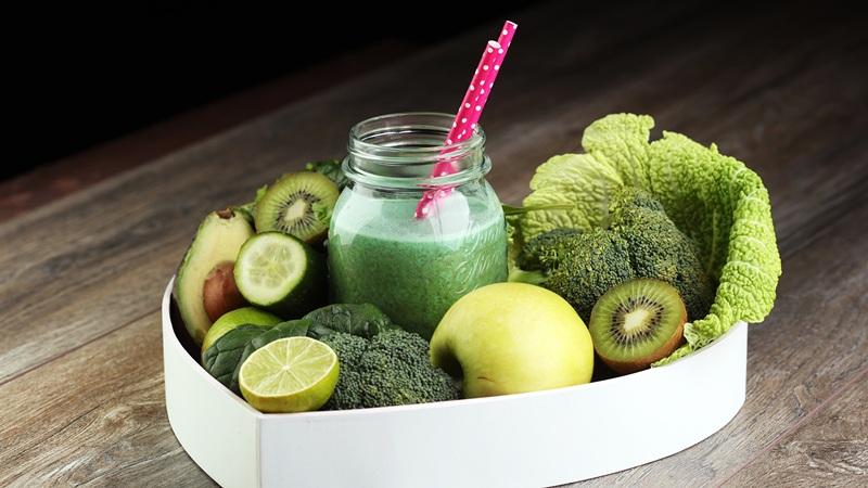 Летом нужно питаться правильно - побольше овощей и фруктов