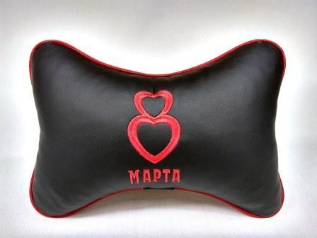 На фото прикольная подушка на 8 марта
