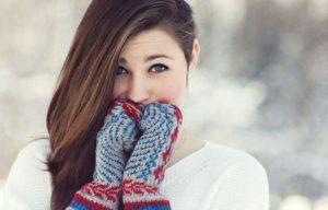 Скромность украшает девушку, но стеснительность не всегда уместна в жизни.