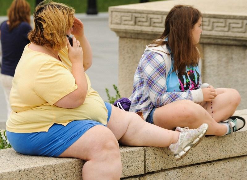 Ожирение у подростка возникает на фоне родителей