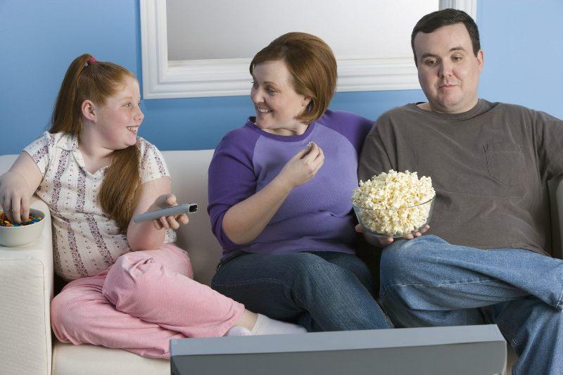 Лишний вес у девушки должен вызывать адекватную реакцию