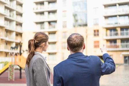 Выбор подходящей квартиры в новостройке для молодой семьи